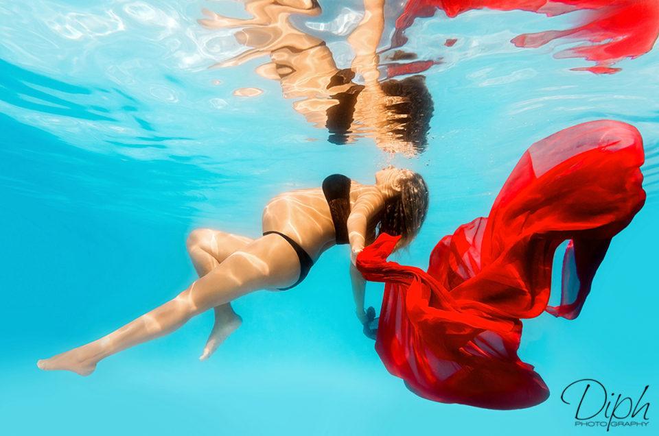 SÉANCE SPLASH: underwater photography chic et glamour