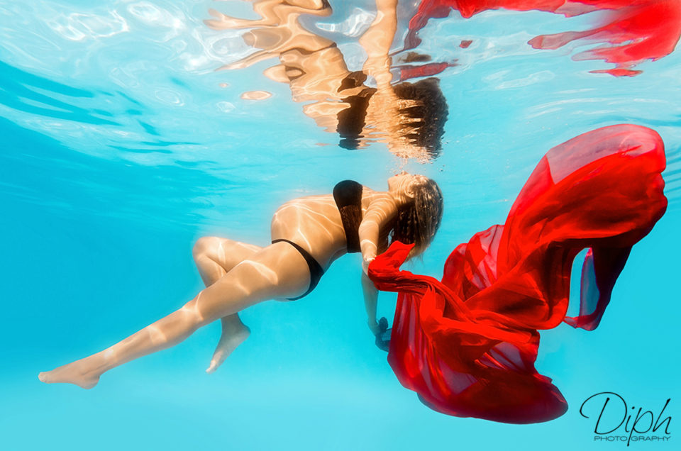 SÉANCE SPLASH : underwater photography chic et glamour